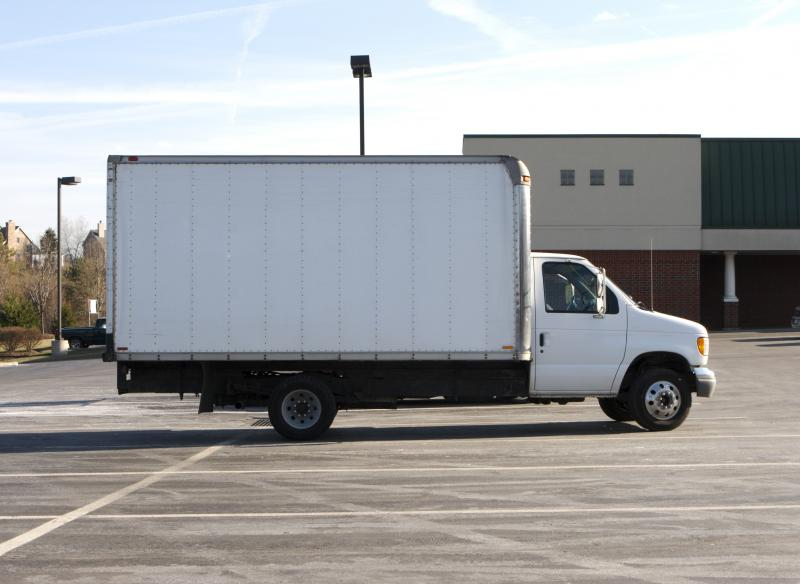 But, because rates change constantly (due to location, truck size and the time of year you're moving), it's difficult to determine which company offers the cheapest moving truck prices. And, if you're moving one-way, truck rental may not be the cheapest option.